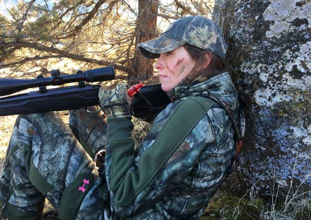 Krissy Knox rifle hunting