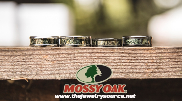With Valentine S Day Right Around The Corner We Wanted To Remind Guys Out There About Our Mossy Oak Camo Engagement Rings That Are Sure Put A Smile